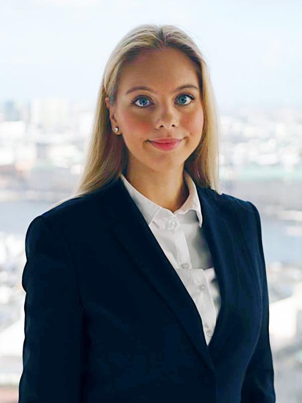 Nathalie Bregula ist zertifizierte Stimmtrainerin in Hamburg
